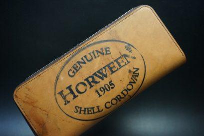 ホーウィンコードバンのスタンプ面のラウンドファスナー長財布