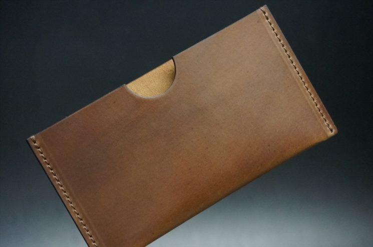 ホーウィン社製シェルコードバンのバーボン色のシンプル名刺入れ