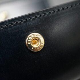 フィオッキ社製のゴールド色のホック