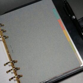 A5サイズのシステム手帳のご使用イメージ-3