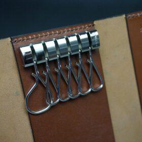 シルバー色のキー金具