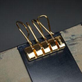 ゴールド色のキー金具